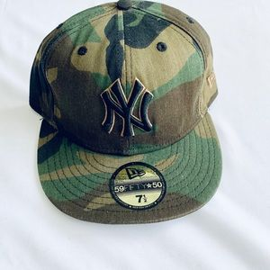 New Era Yankees Camo Fitted 7 3/8